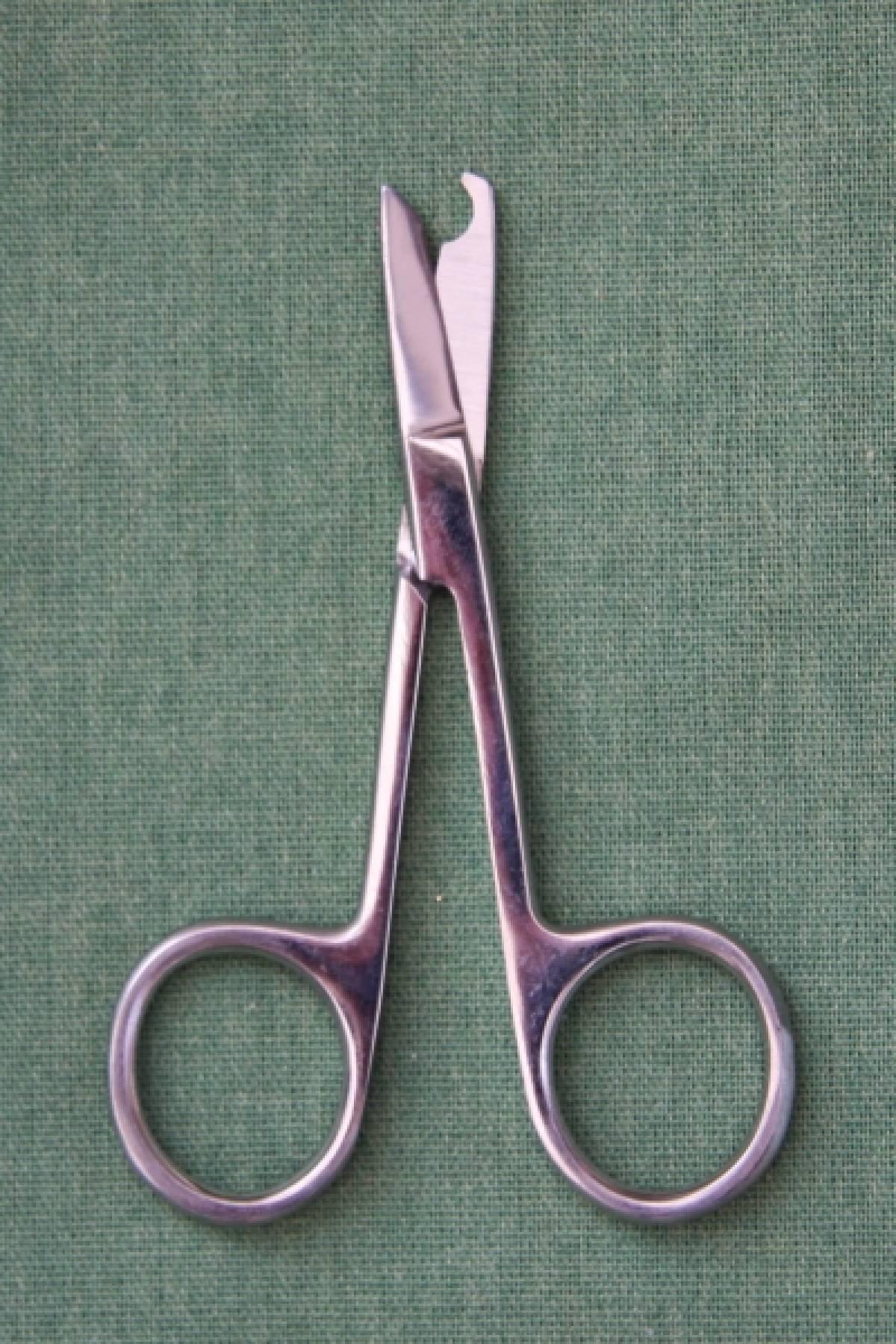 Lift and Snip Scissors